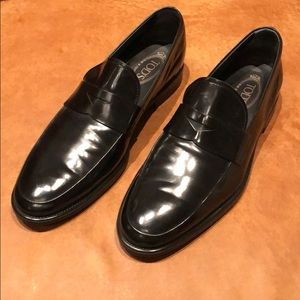 TOD'S men's black patent leather penny loafer 9.5